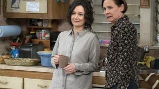 Laurie Metcalf i Sara Gilbert - 375 tysięcy dolarów za odcinek The Conners