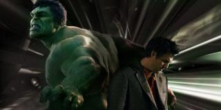 Przygotowując się do roli Hulka Ruffalo eksperymentuje na poziomie językowym – stara się wprowadzić przeróżne dialekty czy prowadzi długie rozmowy z dziećmi w wieku przedszkolnym, które pojawiają się na jego zjazdach rodzinnych.
