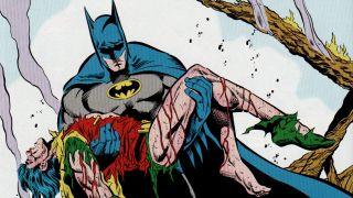 Joker bije łomem Jasona Todda, a następnie odbiera mu życie (Batman: Śmierć w rodzinie)