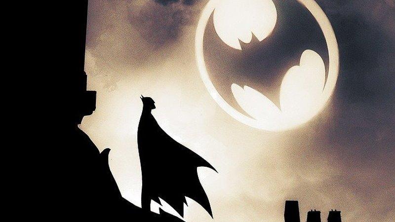 Batman tom 6: Cmentarna szychta: Siedem oblicz Mrocznego Rycerza – recenzja