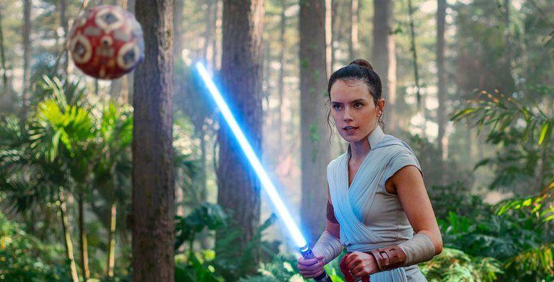 Gwiezdne wojny: Skywalker. Odrodzenie - Rey stosuje sztuczki Jedi. Nowy spot