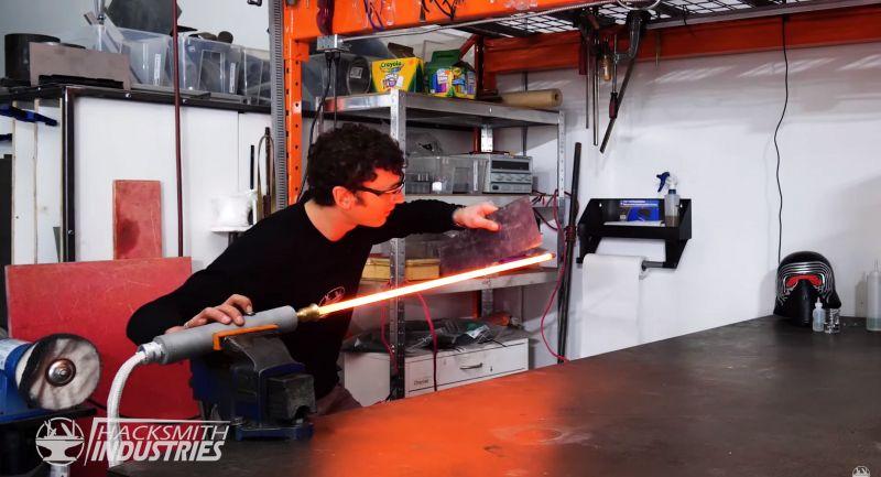 Fani Gwiezdnych Wojen skonstruowali miecze świetlne tnące metal