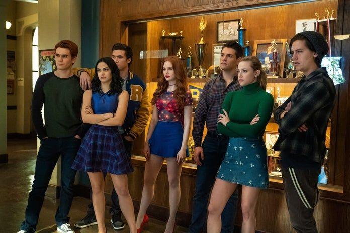 Riverdale - zwiastun finałowego odcinka 4. sezonu serialu. Bohaterowie kontra Mr. Honey