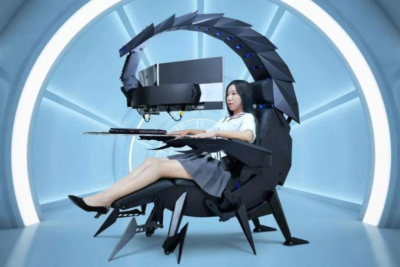 Cluvens IW-SK to gamingowa stacja robocza imitująca mechanicznego skorpiona