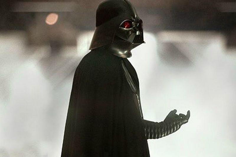 Gwiezdne wojny - w komiksie Darth Vader spotyka postać ze sceny wyciętej z filmu Skywalker. Odrodzenie