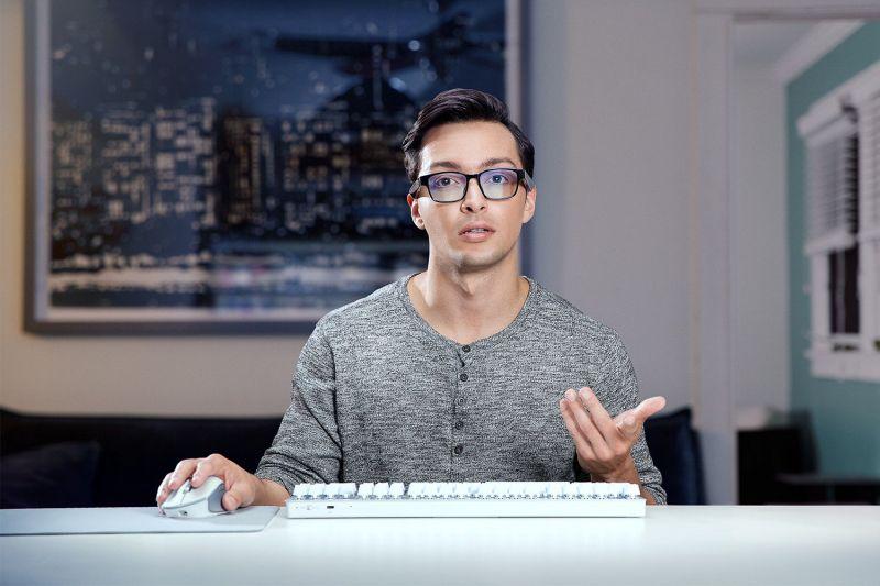 """Razer Anzu to """"inteligentne"""" okulary dla graczy"""