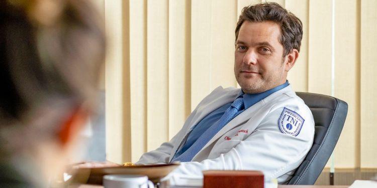 Dr. Death - nowy zwiastun serialu Peacock. Lekarze kontra neurochirurg-socjopata
