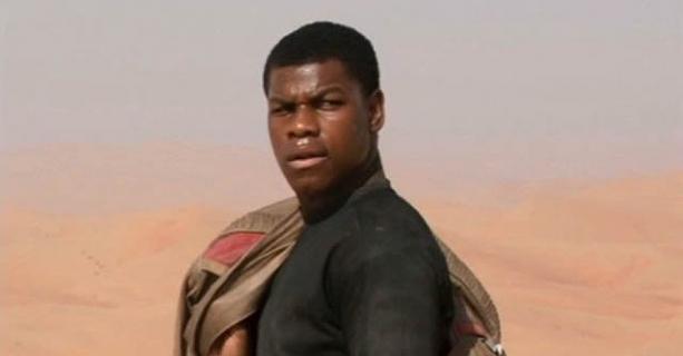 Gwiezdne wojny - John Boyega krytykuje Disneya za zmarginalizowanie kolorowych postaci