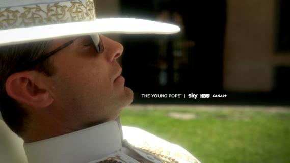 Młody papież: sezon 1, odcinek 1 i 2 – recenzja