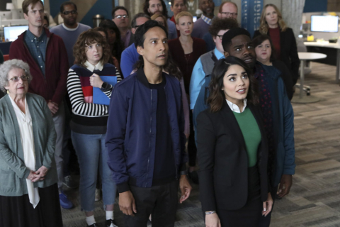 Powerless: sezon 1, odcinek 1 – recenzja
