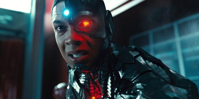 Ray Fisher zły na Warner Bros z powodu Flasha? Doniesienia dziennikarza wywołują burzę