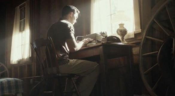 Nicholas Hoult jako autor Buszującego w zbożu. Obejrzyj zwiastun Rebel in the Rye