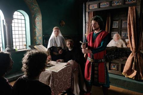 Korona królów: odcinek 1 i 2 – recenzja