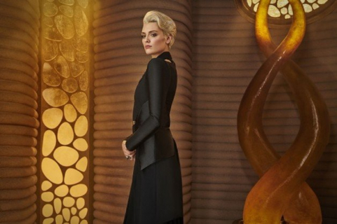 Wallis Day z Kryptonu jako Batwoman? Tego chcą fani, a aktorka im dziękuje