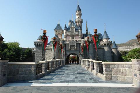 Disneyland stanie się ogromnym punktem do szczepienia przeciwko koronawirusowi