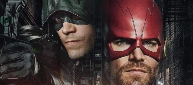 Crossover Arrowverse – Amell w kostiumie Flasha. Zdjęcia z planu