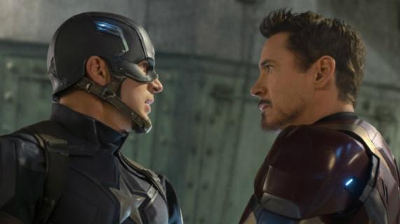 Robert Downey Jr. żegna Chrisa Evansa w MCU. Wzruszający obrazek