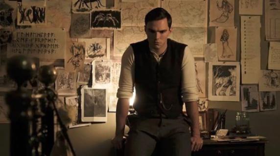 Tolkien – Nicholas Hoult jako twórca Hobbita. Nowe zdjęcia z filmu