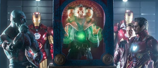 Avengers: Koniec gry – Doktor Strange przewiduje przyszłość. Fanowska zabawka