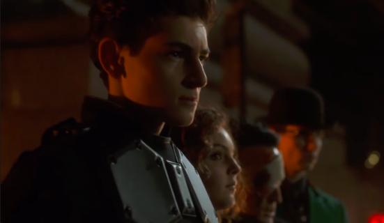 Gotham - nowy zwiastun finałowego odcinka serialu. Bruce zostaje Batmanem
