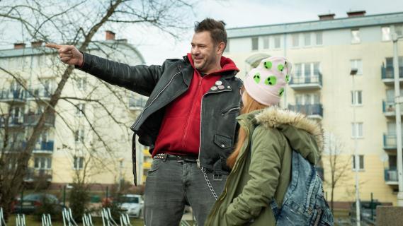 Tomasz Karolak pomaga walczyć z koronawirusem... i publikuje swój nowy singiel