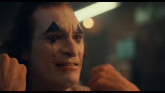 Joker - czy Arthur Fleck to ten wróg Batmana? Phoenix komentuje
