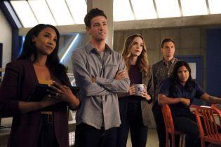 Flash - bohater i jego drużyna na plakacie 6. sezonu serialu