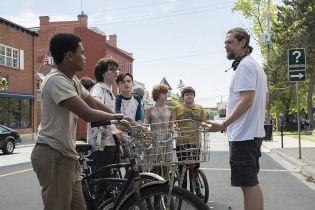 Dziecięcy aktorzy w To: Rozdział 2 zostali odmłodzeni