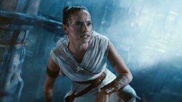 Star Wars 9 - pojedynek na miecze świetlne na Tatooine i zniszczony TIE na nowych szkicach koncepcyjnych z filmu