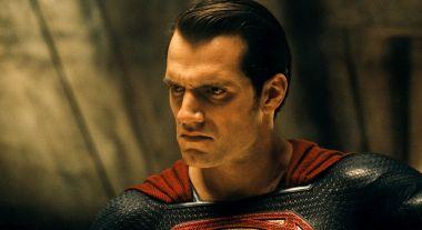 Henry Cavill pasuje do roli każdego superbohatera? Aktor jako Batman na grafice fana