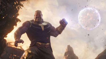 Avengers: Wojna bez granic - Thanos miał mieć bojowego nietoperza. Zobacz szkic