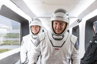 Astronauci z misji SpaceX: lot rakietą Muska przypomina ujeżdżanie smoka