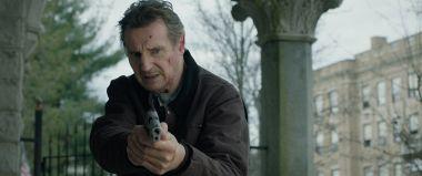 Honest Thief - Liam Neeson w wybuchowym zwiastunie thrillera