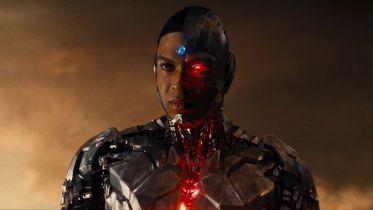 Ray Fisher atakuje prezesa DC Films i zapowiada bojkot