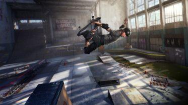 Tony Hawk's Pro Skater 1+2 - podniebne ewolucje na premierowym zwiastunie gry