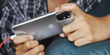 OnePlus 8T - błyskawicznie ładowany telefon minut trafił do przedsprzedaży