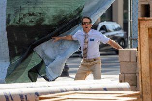 Free Guy: Ryan Reynolds żartuje sobie z ciągłych zmian w harmonogramie i zdradza nową datę premiery