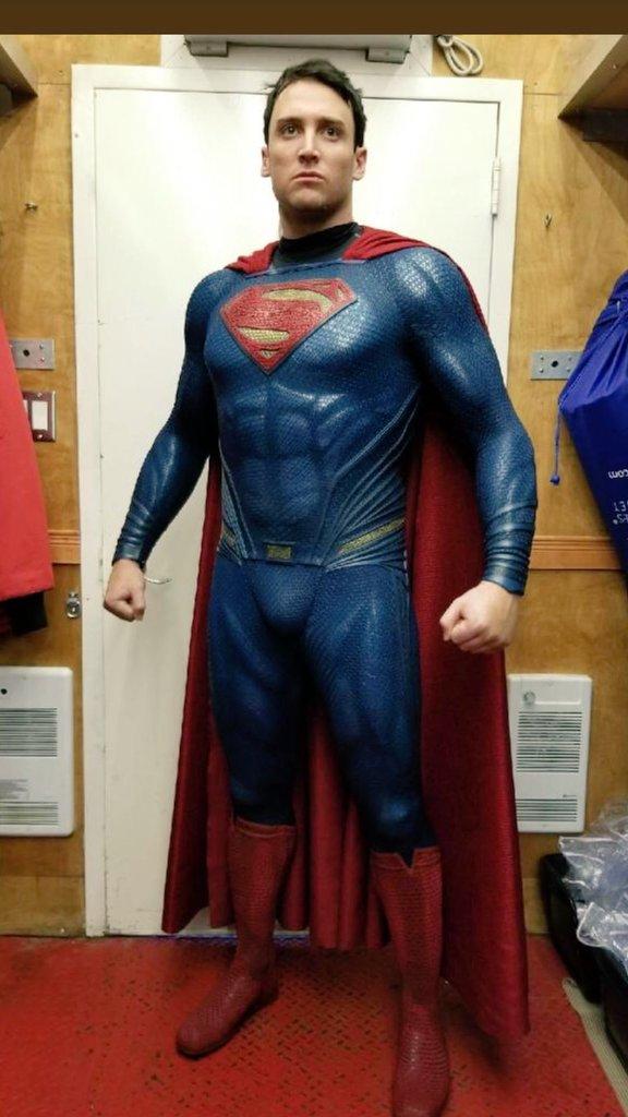 Shazam! - Ryan Handley w stroju Supermana